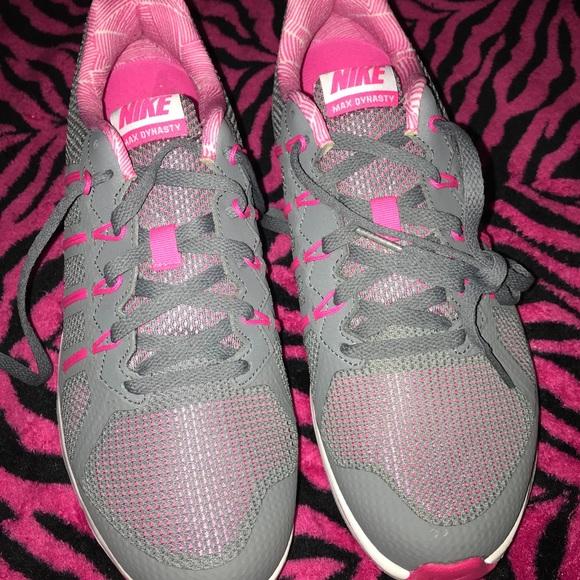 Nike Women's Air Max Dynasty Premium Running Shoes NWT